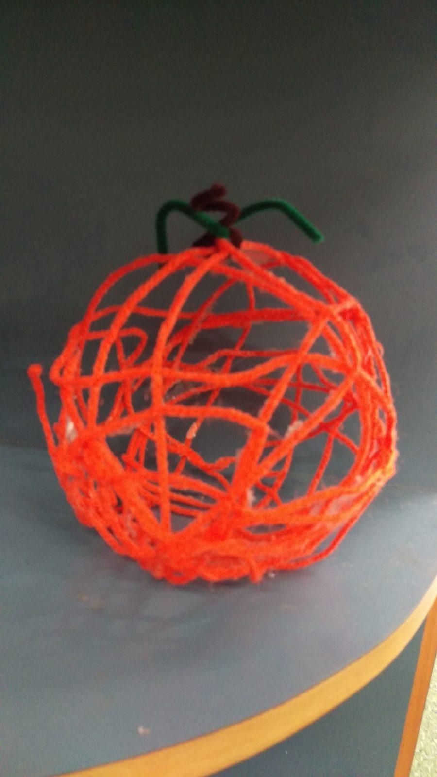 A Yarn Pumpkin